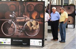 Imagen del reportajeGrandes fot�grafos para promocionar el vino de M�laga